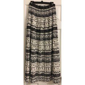 Dresses & Skirts - Aztec Pattern Skirt